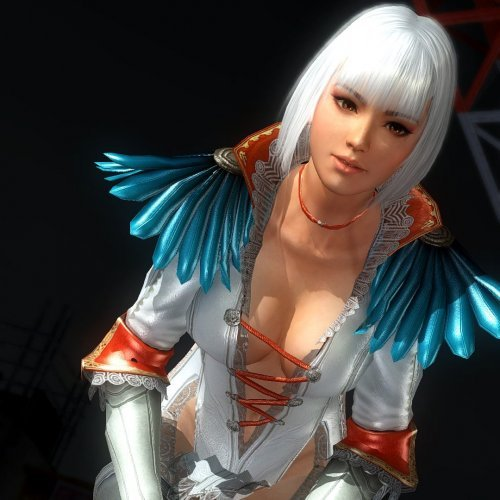 Momiji as Gloria DMC4